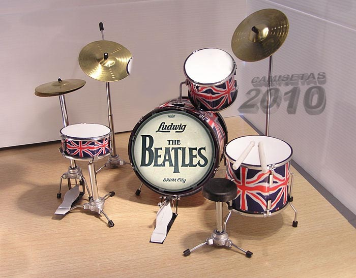 MINI BATERIA MINIATURA REPLICA DEL GRUPO THE BEATLES 04