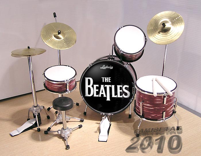 MINI BATERIA MINIATURA REPLICA DEL GRUPO THE BEATLES 09