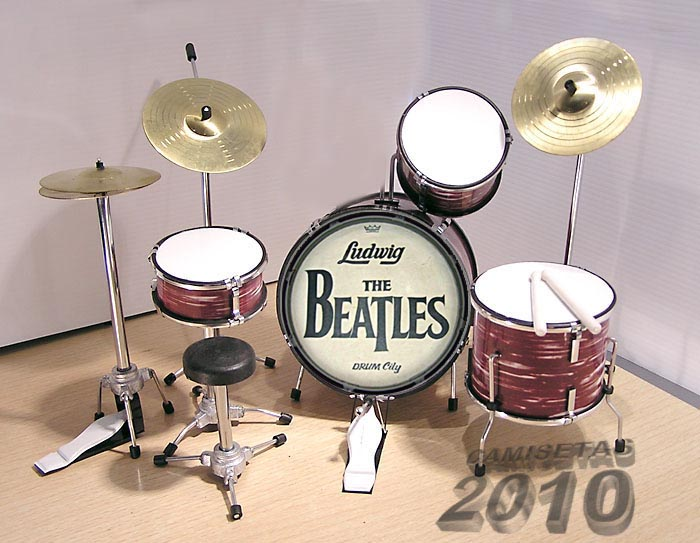 MINI BATERIA MINIATURA REPLICA DEL GRUPO THE BEATLES 10