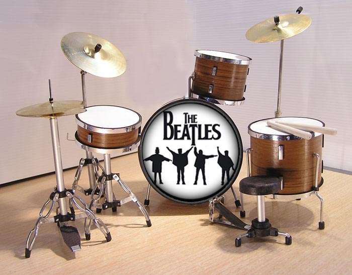 MINI BATERIA MINIATURA REPLICA DEL GRUPO THE BEATLES 13