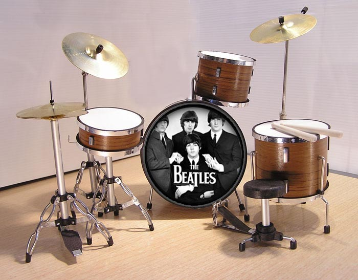 MINI BATERIA MINIATURA REPLICA DEL GRUPO THE BEATLES 14