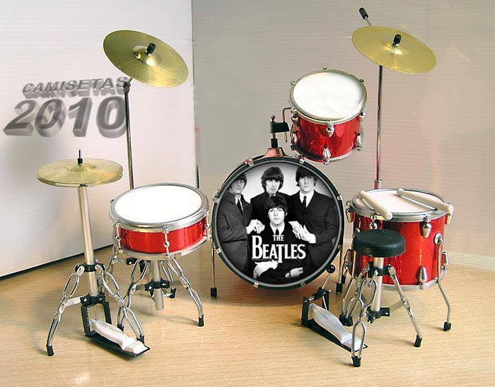 MINI BATERIA MINIATURA REPLICA DEL GRUPO THE BEATLES 17