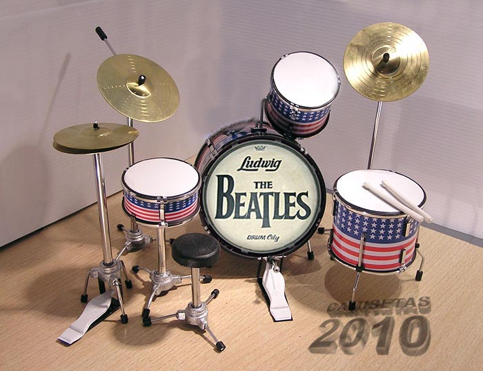 MINI BATERIA MINIATURA REPLICA DEL GRUPO THE BEATLES 01