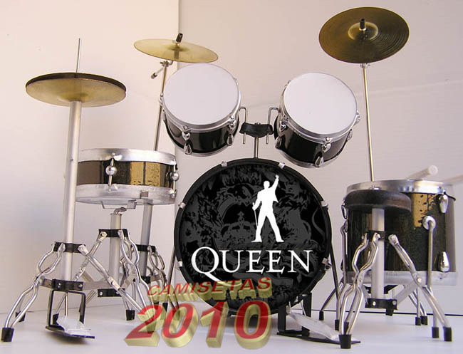 MINI BATERIA MINIATURA REPLICA DEL GRUPO ROCK QUEEN 01