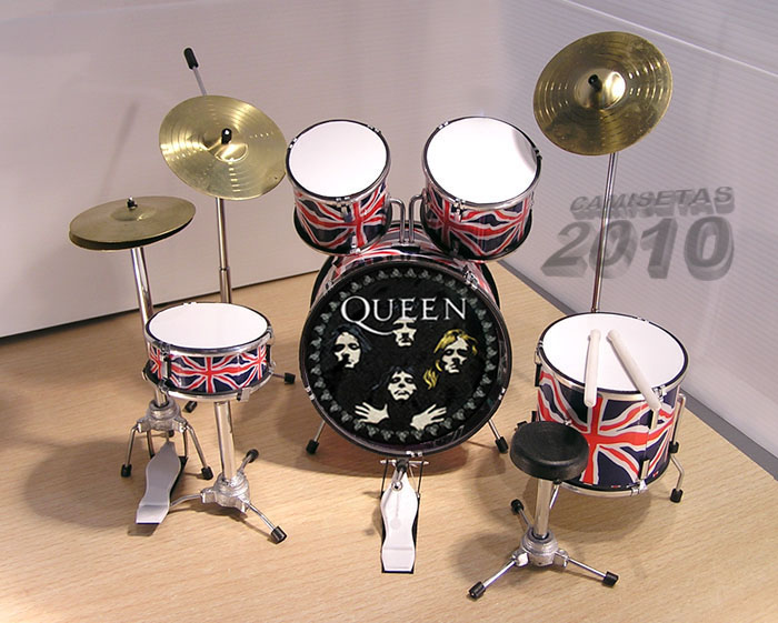 MINI BATERIA MINIATURA REPLICA DEL GRUPO ROCK QUEEN 03