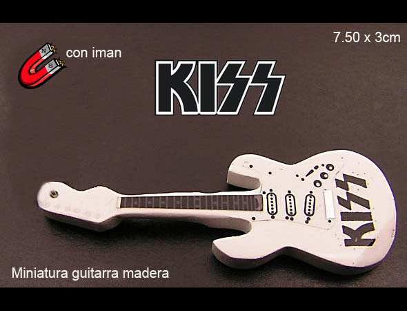 MINI GUITARRA EN MADERA IMAN KISS